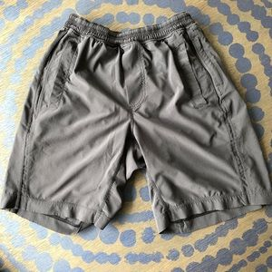 """Men's LuLu Lemon 7"""" Shorts with Liner - S"""
